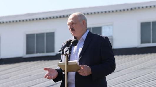 Лукашенко: Выборы вБелоруссии пройдут после принятия новой конституции