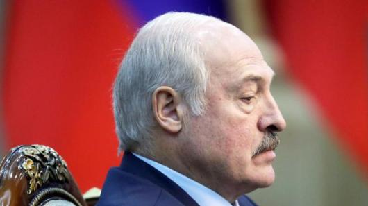 Лукашенко решил изменить Конституцию