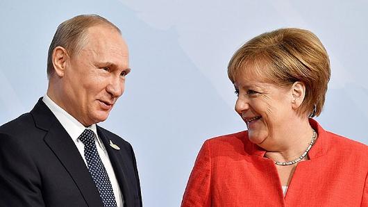 Путин предостерег Меркель отвмешательства вдела Беларуси