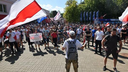 Китай выступил против попыток расколоть белорусское общество