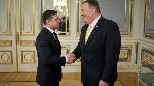 Зеленский пообещал Помпео невмешиваться ввыборы вСША