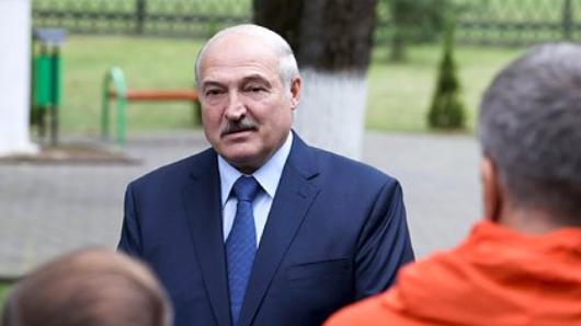 Лукашенко рассказал окупании вкупели сПутиным иМедведевым