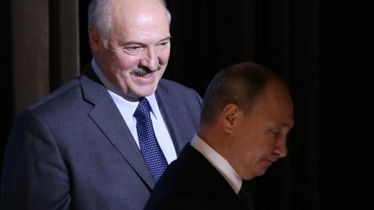 Лукашенко заговорил одосрочных выборах
