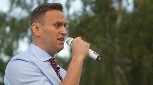 СМИ: Навальный прервал молчание