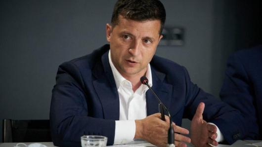 Зеленский пригрозил депутатам «показательными посадками»