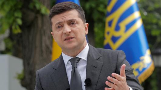 Зеленский пообещал сделать постоянным перемирие вДонбассе