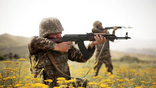 Армения рассматривает вопрос гуманитарных коридоров дляжителей Карабаха