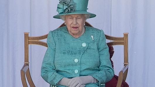 Придворные огорчили Елизавету II