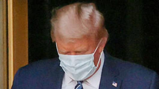 УТрампа заметили проблемы сдыханием после выписки