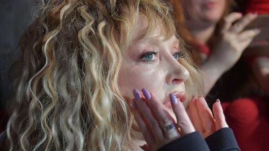 Подруга Пугачевой после вечеринки сГалкиным объявила, чтобольна коронавирусом